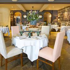 Restaurant of the Bay Tree Hotel in Burford